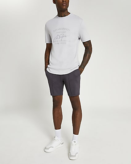 Purple skinny fit elasticated waist shorts