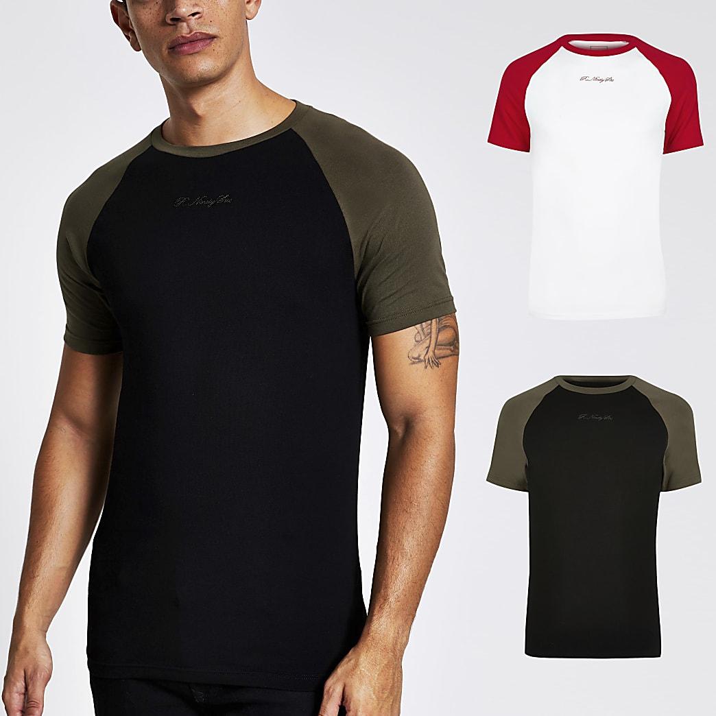 R96 - Set van 2 zwarte raglan muscle fit T-shirts