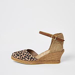Ravel - Bruine sandalen met luipaardprint en sleehak
