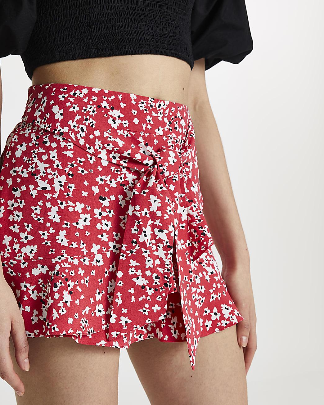 Red floral frill hem belted shorts