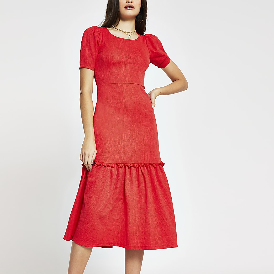 Red lace puff sleeve dress