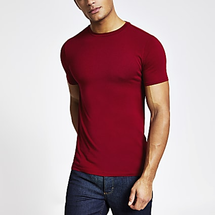 Red muscle fit short sleeve T-shirt