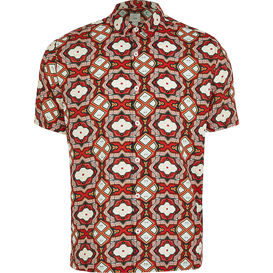 Red short sleeve geo print regular fit shirt