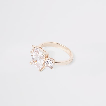 Rose gold colour three diamante ring
