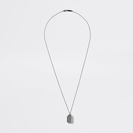 Silver colour chain edge pendant necklace