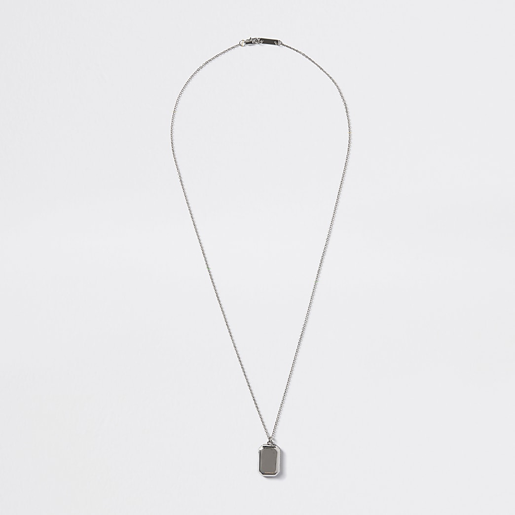 Silver colour chain edge pendant necklace