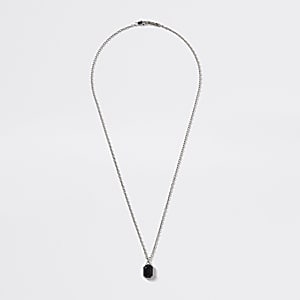 Silberfarbene Halskette mit Strassanhänger