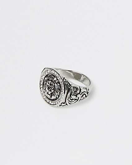 Silver lion embossed ring