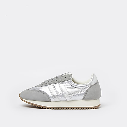 Silver metallic runner trainers