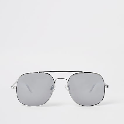 Silver mirrored aviator sunglasses
