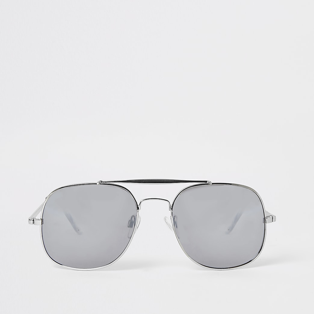 Silver mirrored aviator sunglasses