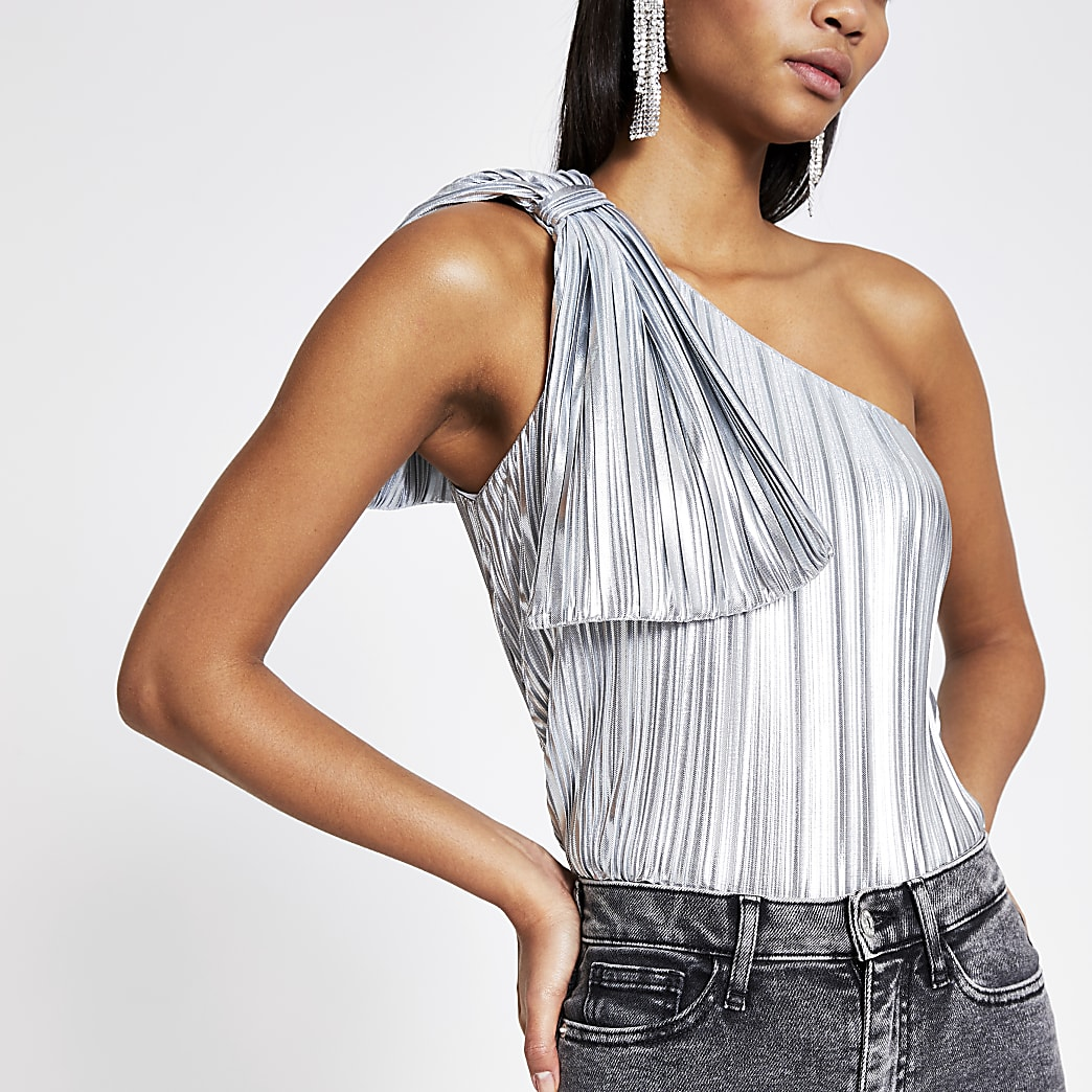 Silver pleated one asymmetric shoulder top