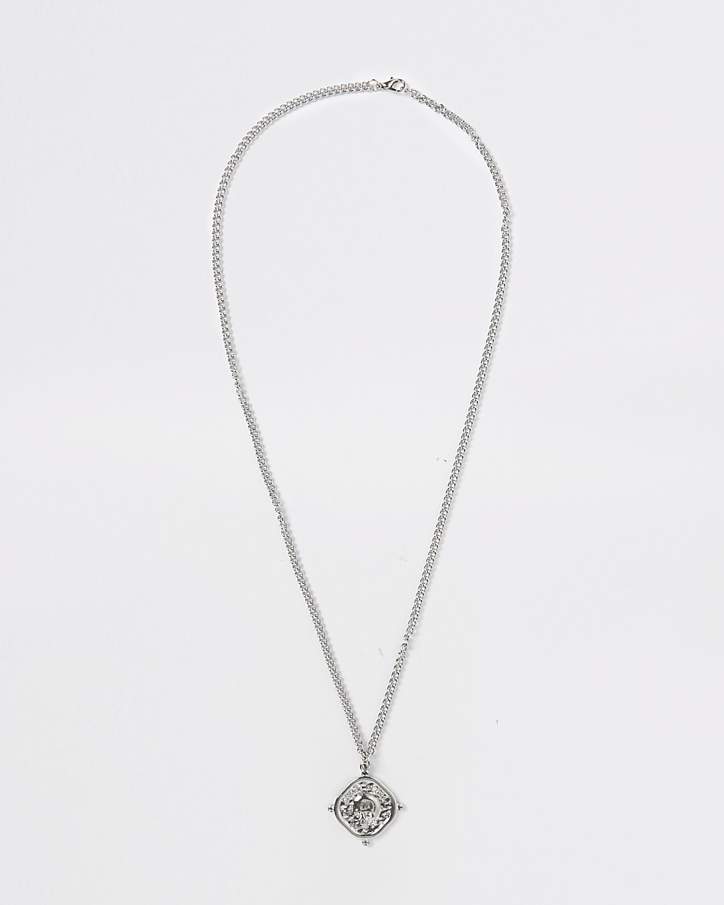Silver skull engraved pendant necklace