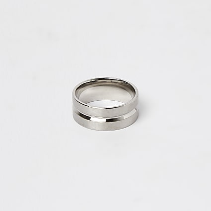 Silver stainless steel ridge band ring