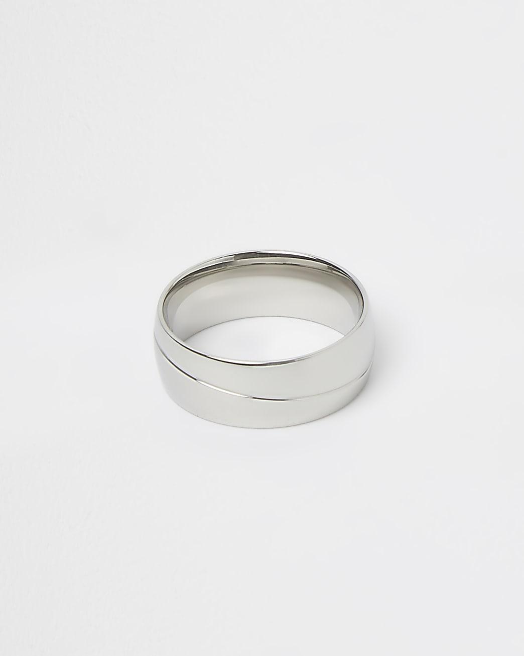 Silver stripe band ring
