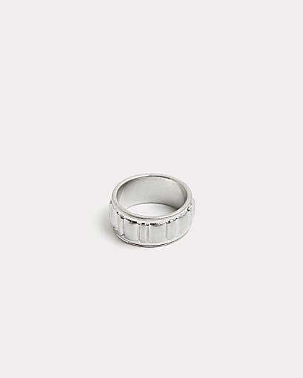 Silver textured ridge band ring