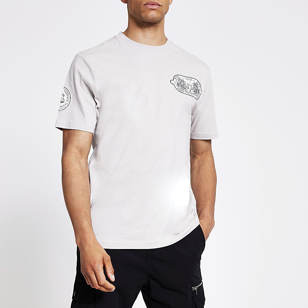 Kiezelkleurig regular fit T-shirt met verfraaide embleemprint