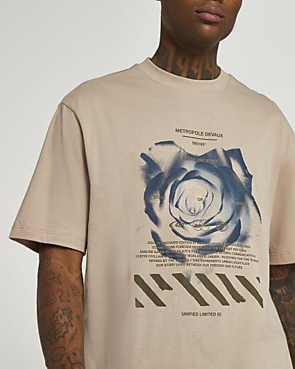 Stone regular fit rose graphic t-shirt