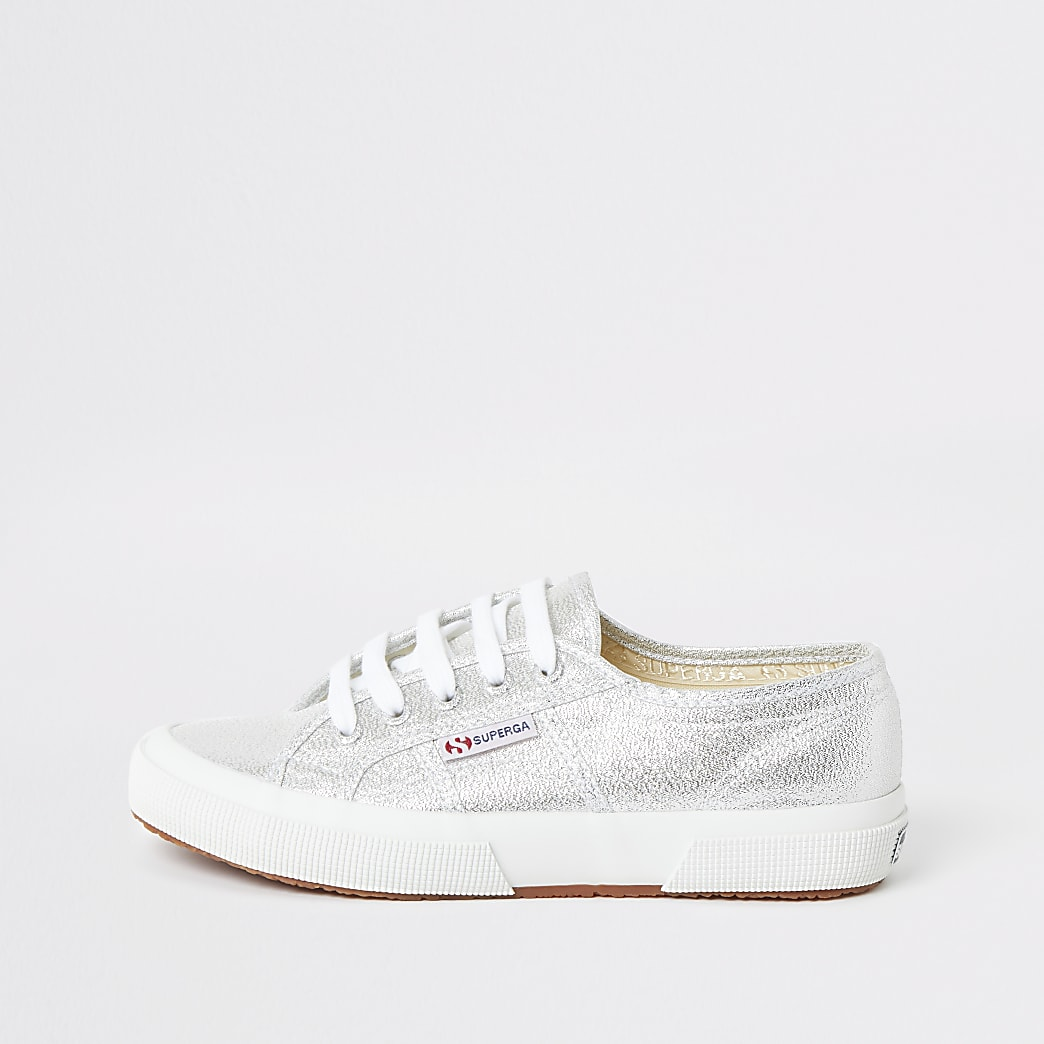 Superga silver lace-up runner trainers