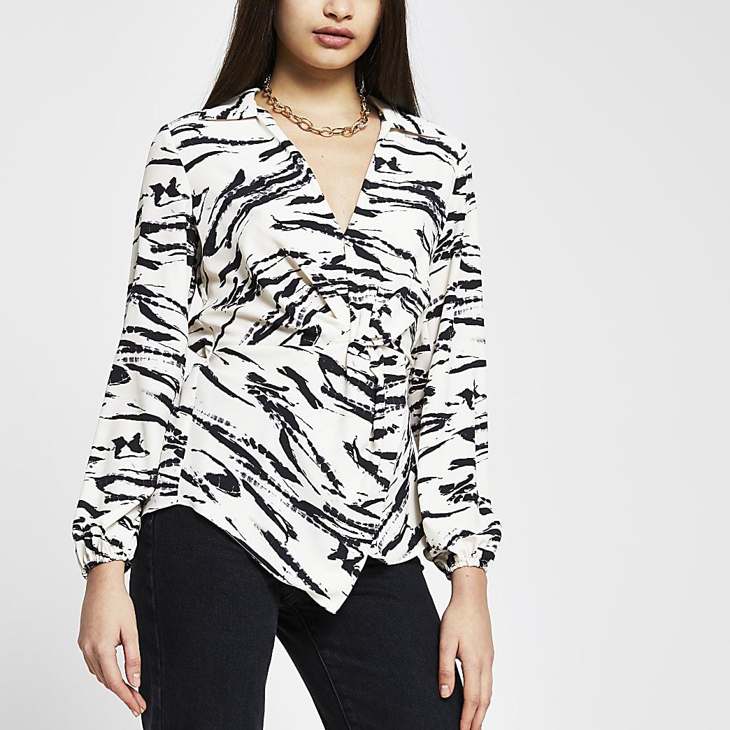 White animal print twist front shirt