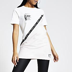 Wit boyfriend T-shirt met 'ATLR'-tekst, bies en kleurvlakken