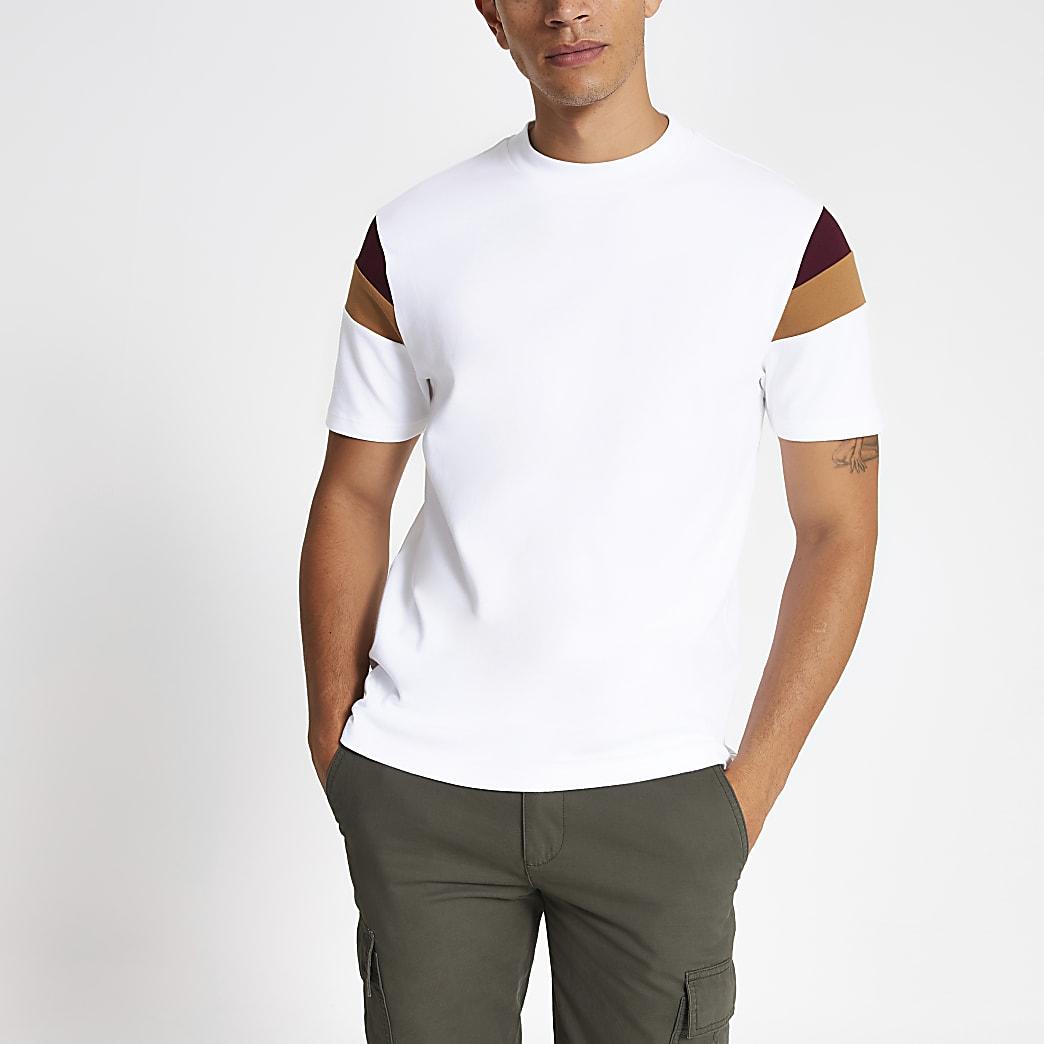 Wit slim-fit T-shirt met kleurvlakken