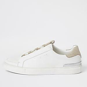 Weiße Sneaker mit Cup-Sohle und verdeckter Schnürung