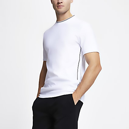 White ​contrast stitch slim fit t-shirt