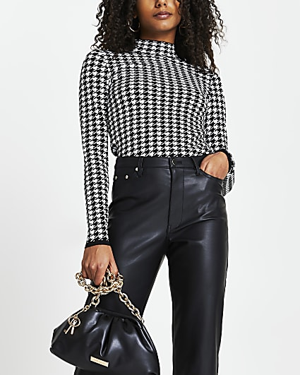 White dogtooth knit high neck top