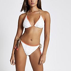 Bas de bikini blanc brodé avec liens à nouer sur les côtés