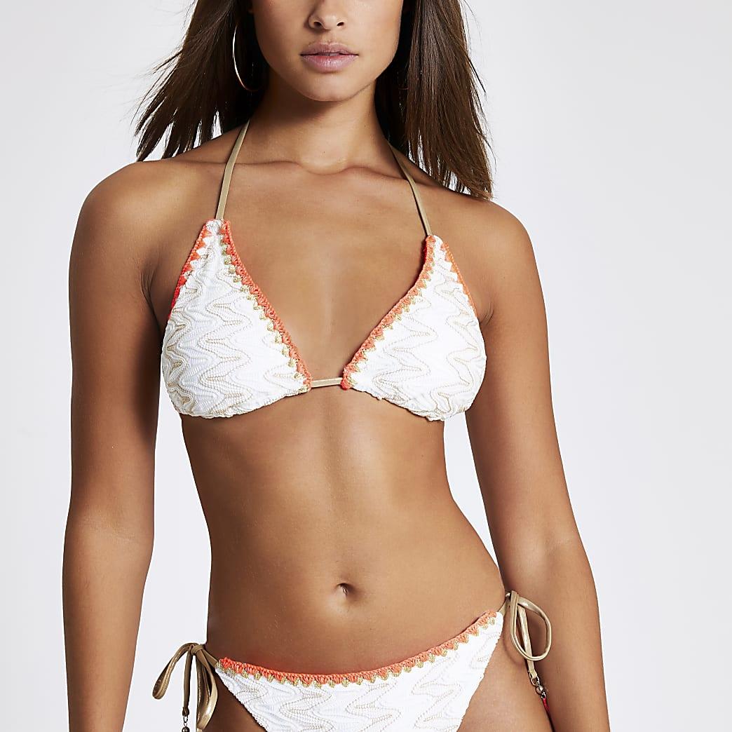 Witte geborduurde triangel-bikinitop