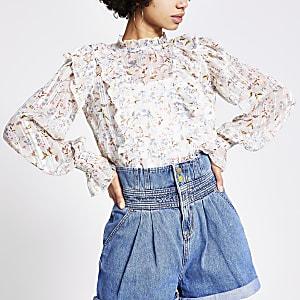 Langärmelige, gerüschte Bluse in Weiß mit Blumenmuster