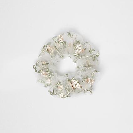 White flower embroidered scrunchie
