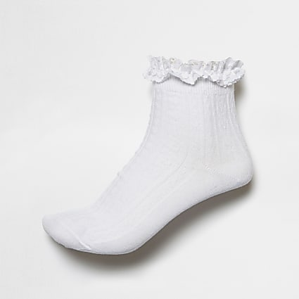 White frill cable knit socks
