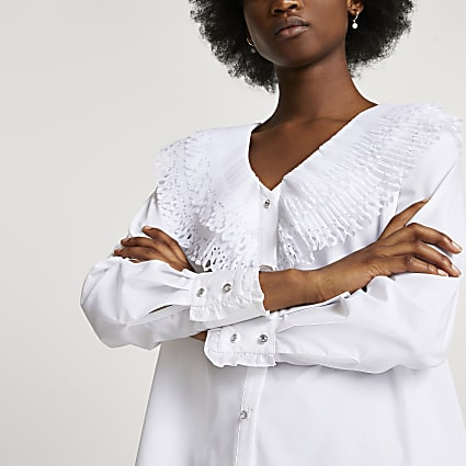 White frill collar shirt
