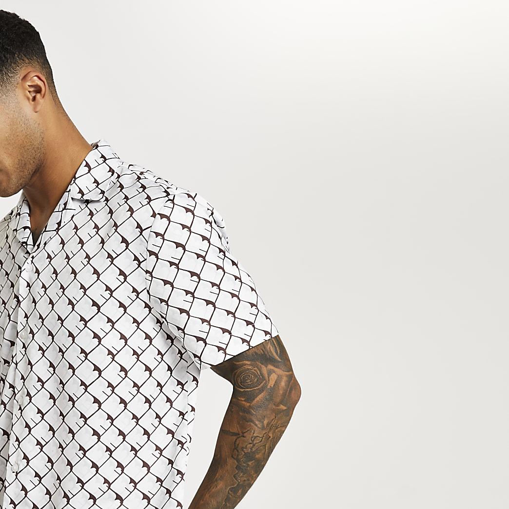 White geometric print revere shirt