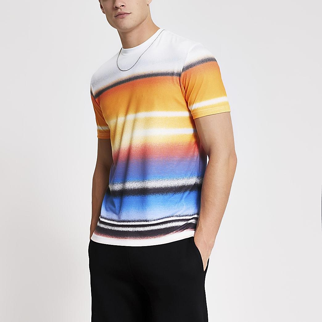Wit slim-fit T-shirt met graffiti strepen
