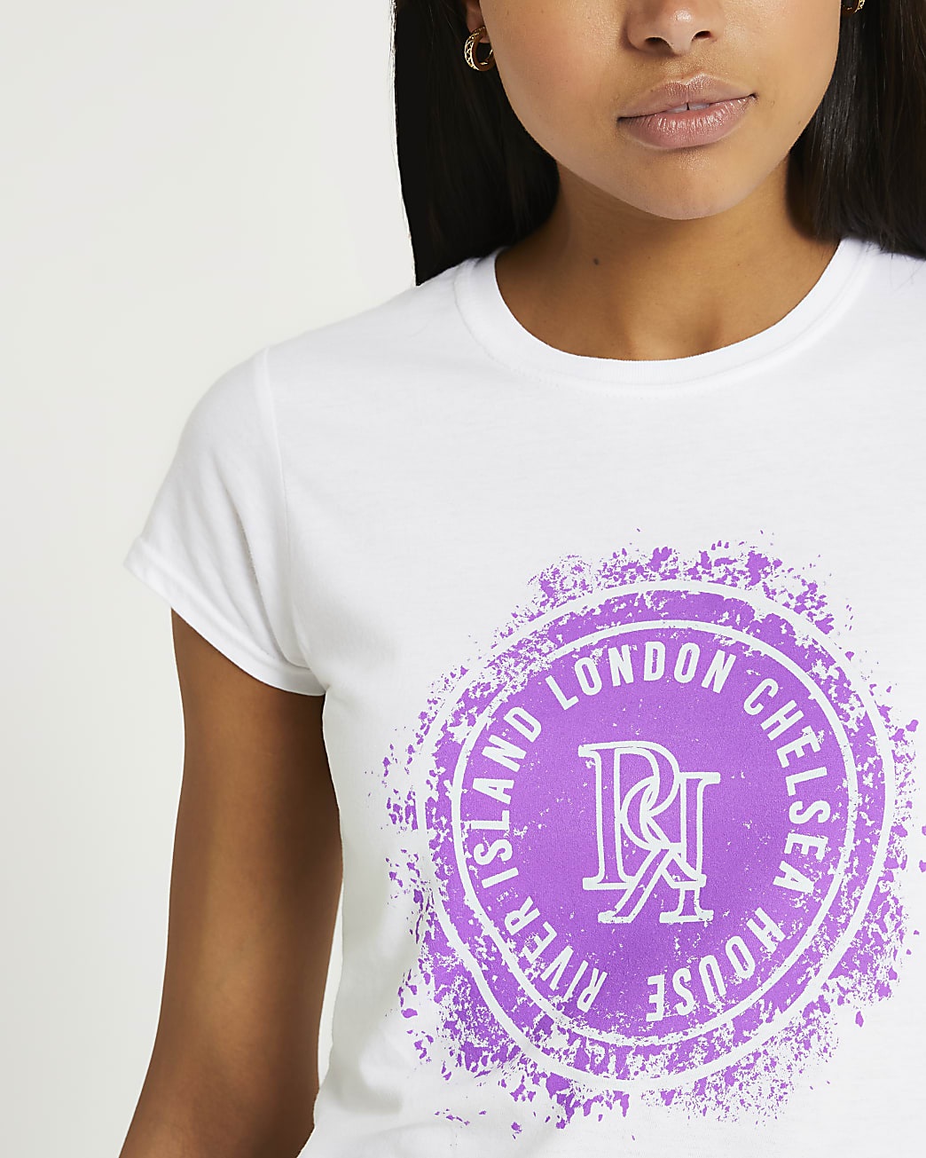 White graphic crew neck t-shirt