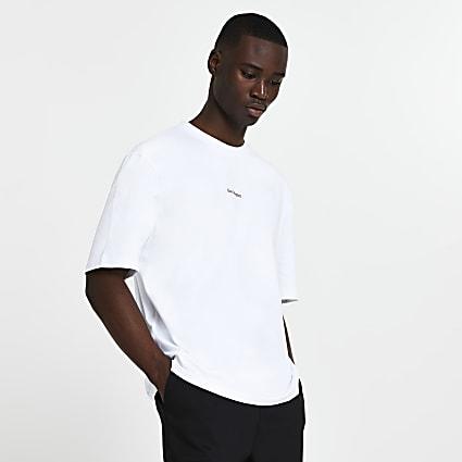 White graphic oversized t-shirt