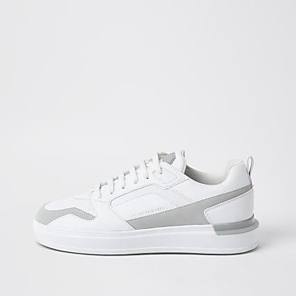 White heel clip runners