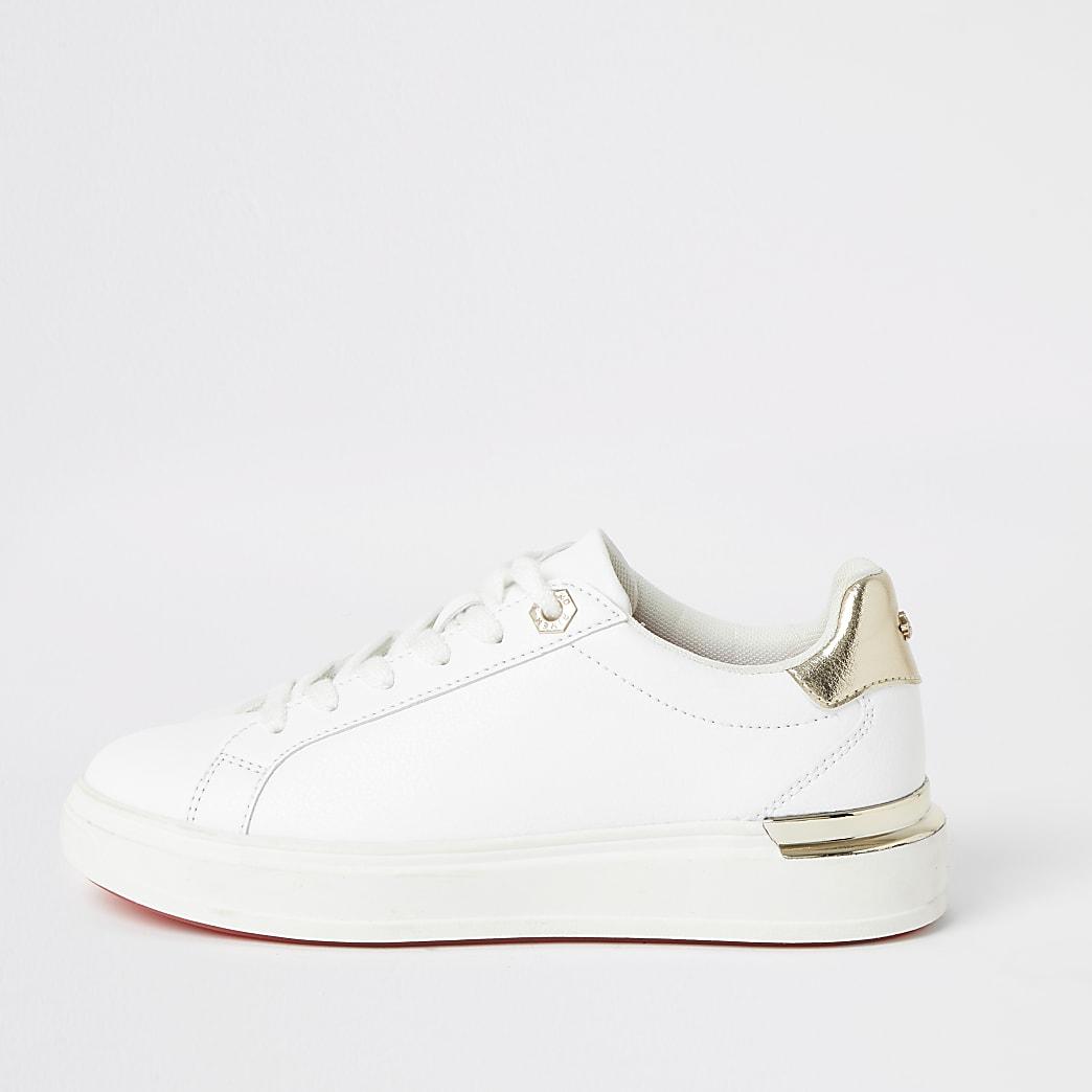 Weiße, robuste Plateau-Sneaker mit Schnürung