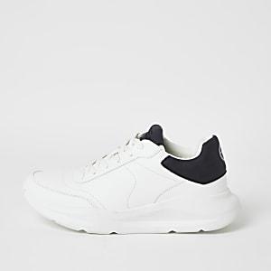 Witte stevige sneakers met vetersluiting