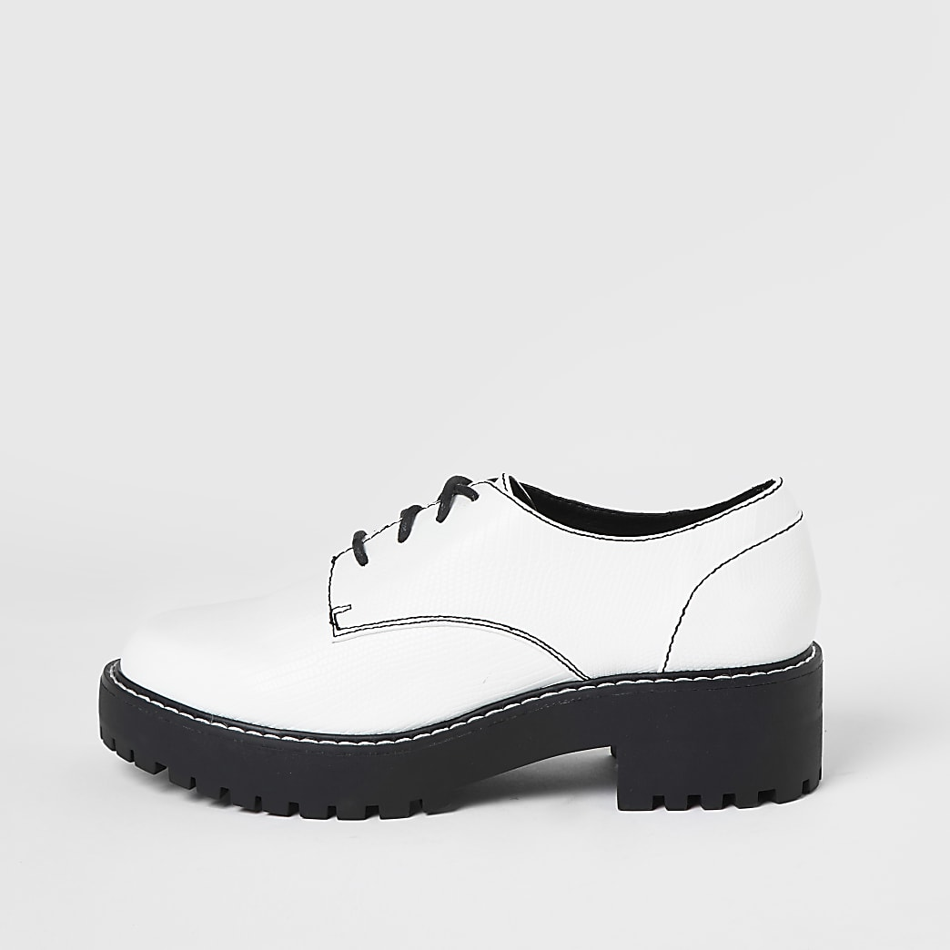 White lace up contrast stitch brogues