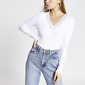White lace V neck long sleeve fitted top