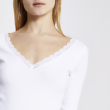 White lace V neck long sleeve top