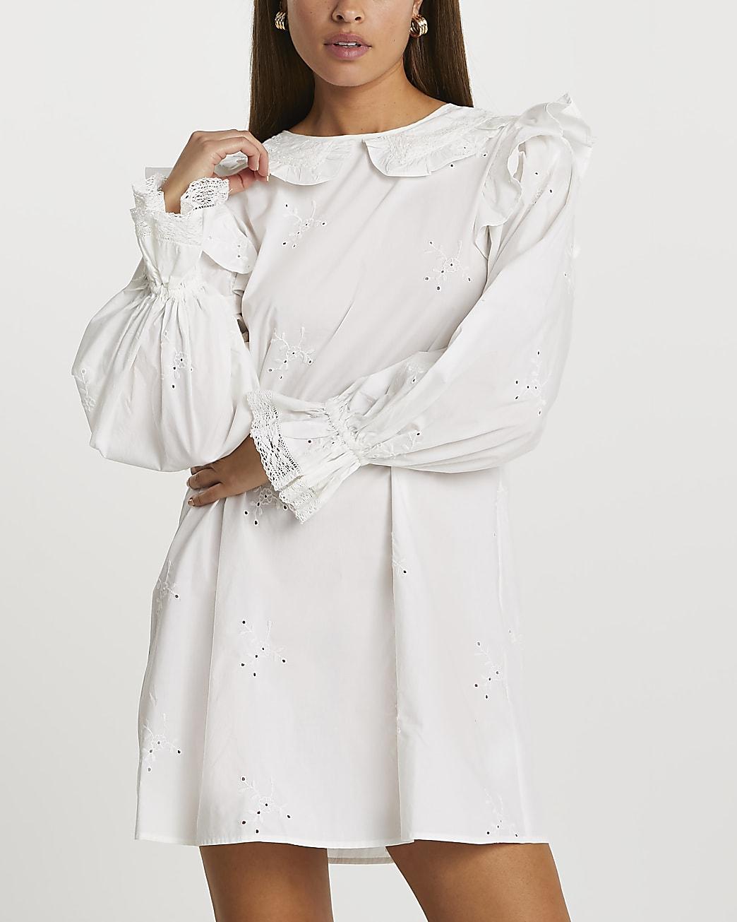 White long sleeve broderie collar dress