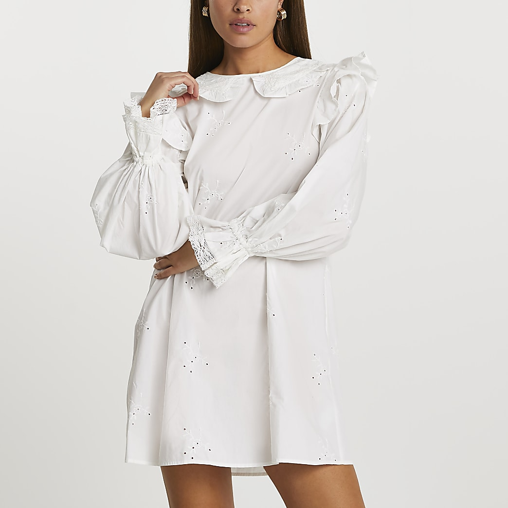 White long sleeve broderie collar dress
