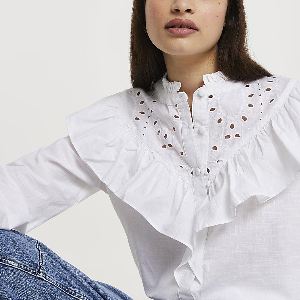 Chemise à volants et broderie anglaise à manches longues blanche