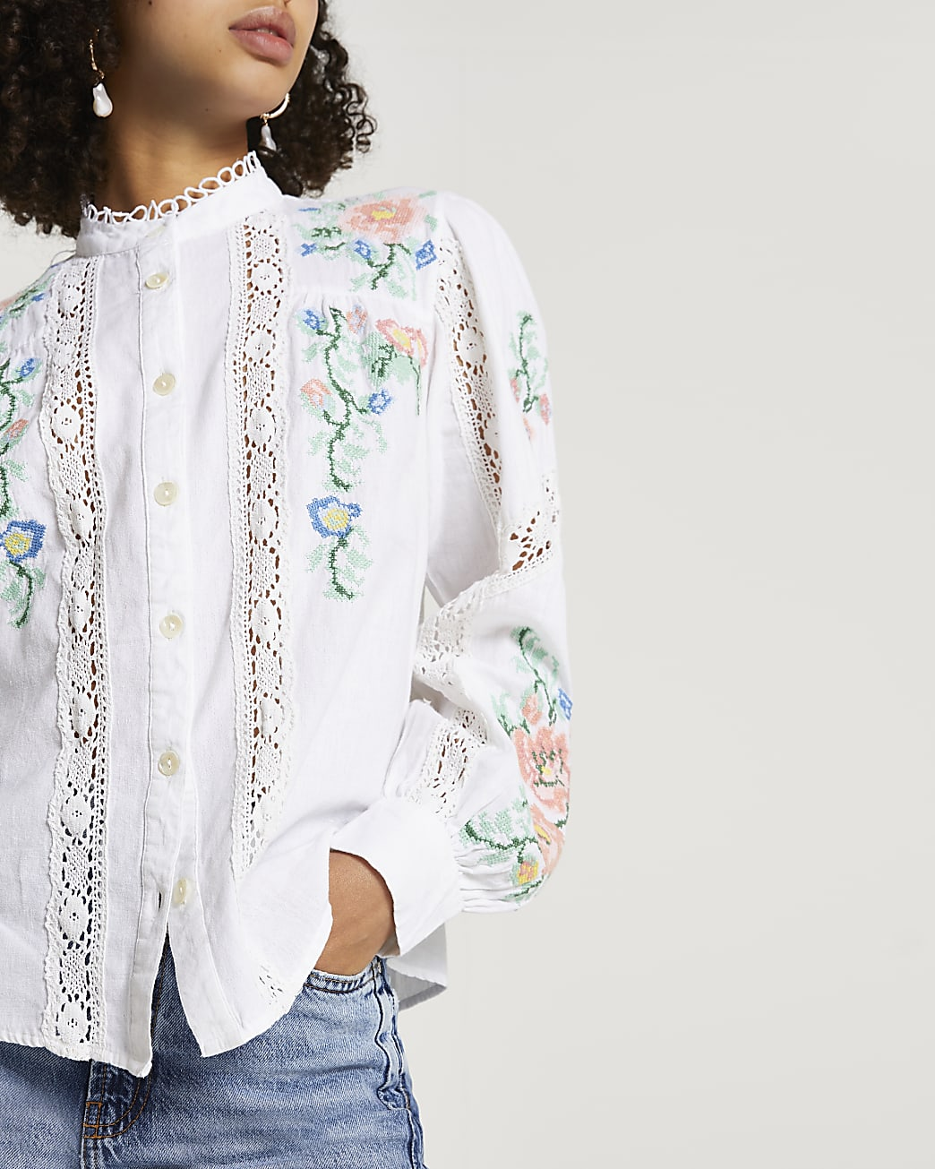 White long sleeve embroidered blouse