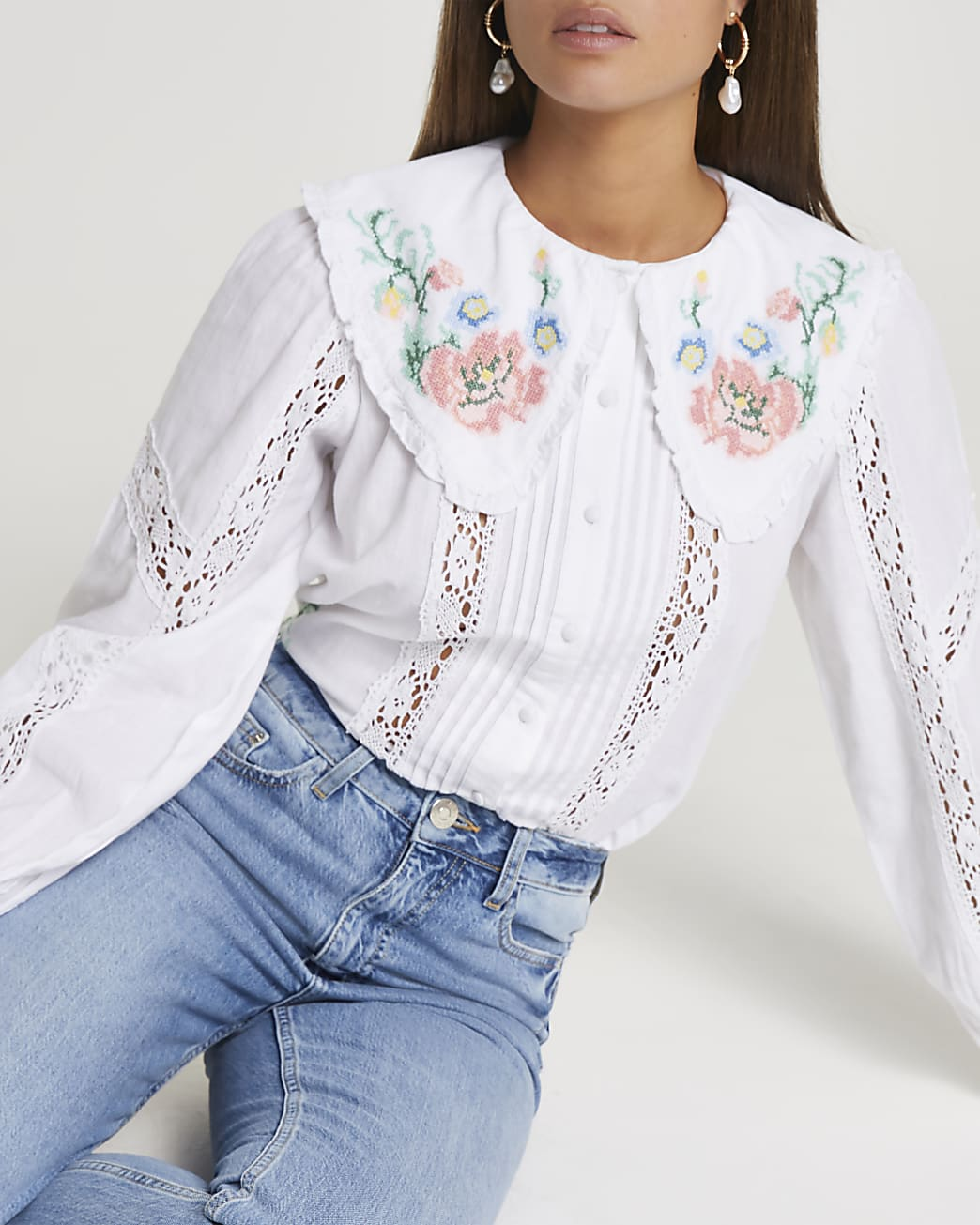 White long sleeve floral embroidered blouse
